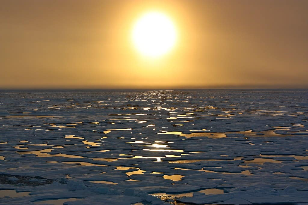 Russia seeks to open its Arctic waters to world shipping