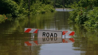 Photo of Flooding closes more roads, stalls barges in Midwest