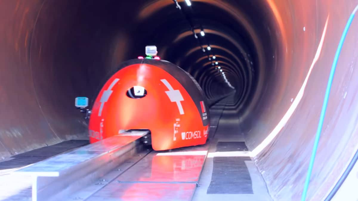 Hyperloop test pod breaks speed record and wins the annual hyperloop pod competition (Photo: SpaceX/Hyperloop)