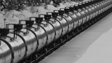 Photo of North Dakota files petition to block Washington state from restricting oil train shipments
