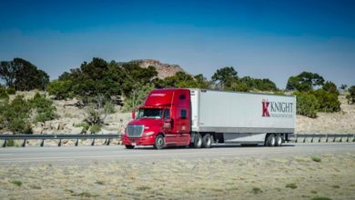 Photo of Knight-Swift cuts its outlook a day after the truckload carriers rally