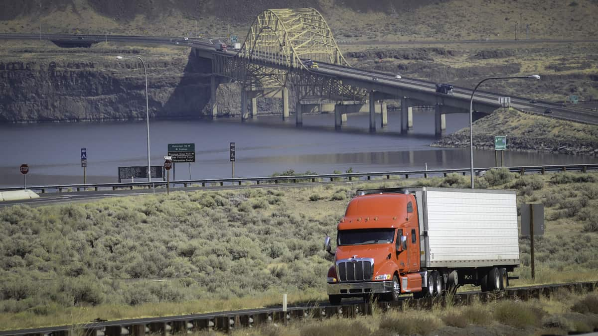 Tightening credit standards is a worrying sign for the trucking industry (Photo: Jim Allen/FreightWaves)