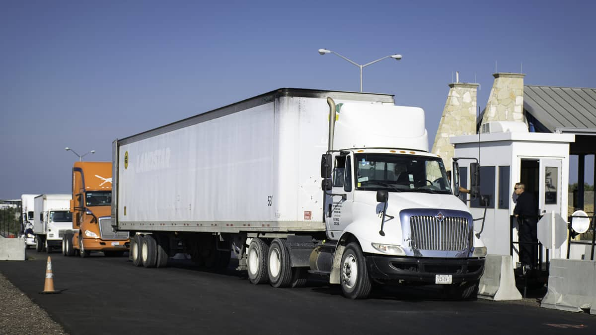 """Truckers and customs brokers are seeing """"red"""" as border wait"""