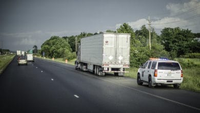 Photo of Trucking groups urge lawmakers to reject crash score proposal