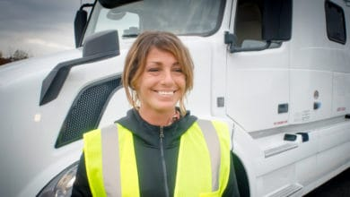 Photo of U.S. lawmaker wants to break barriers to women truckers