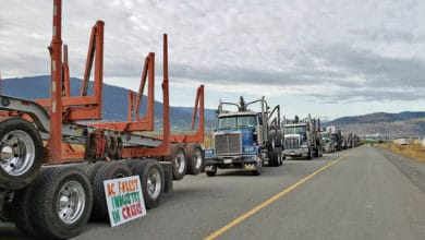 Photo of Log-haulers protest devastation to British Columbia forestry industry
