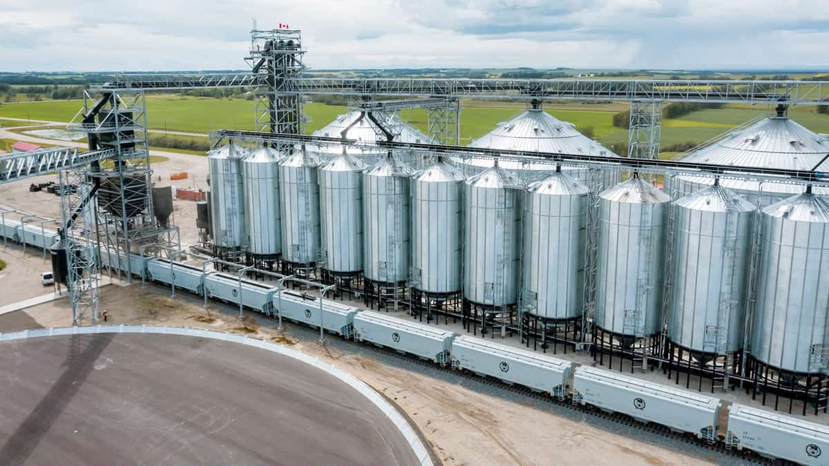 Canadian grain producers eye port congestion, winter