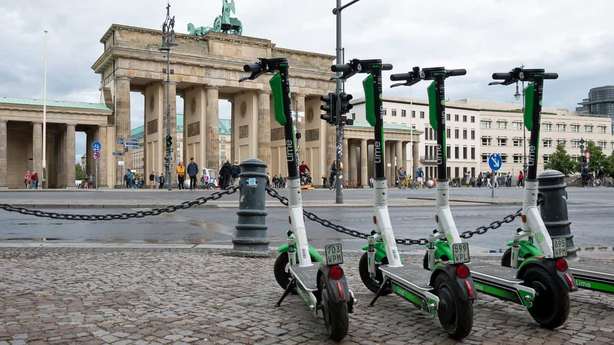 E-scooters are not good for the environment, German government study finds (Photo: Shutterstock)
