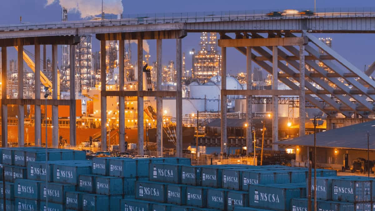 Houston is hot for export freight, but needs bigger ship
