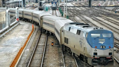 Photo of Illinois senator presses for federal help to address Amtrak's on-time performance