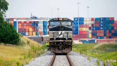 Photo of Intermodal freight continues shift to East Coast, benefiting trucking