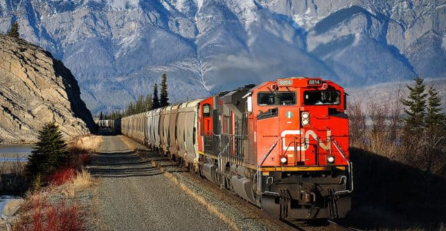 A Canadian National Railway freight train. (Photo: Canadian National Railway)