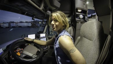 Photo of US senators introduce 'Women in Trucking' bill