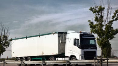 FretLink adds delayed fuel payment and trailer rental features to its platform (Photo: Shutterstock)