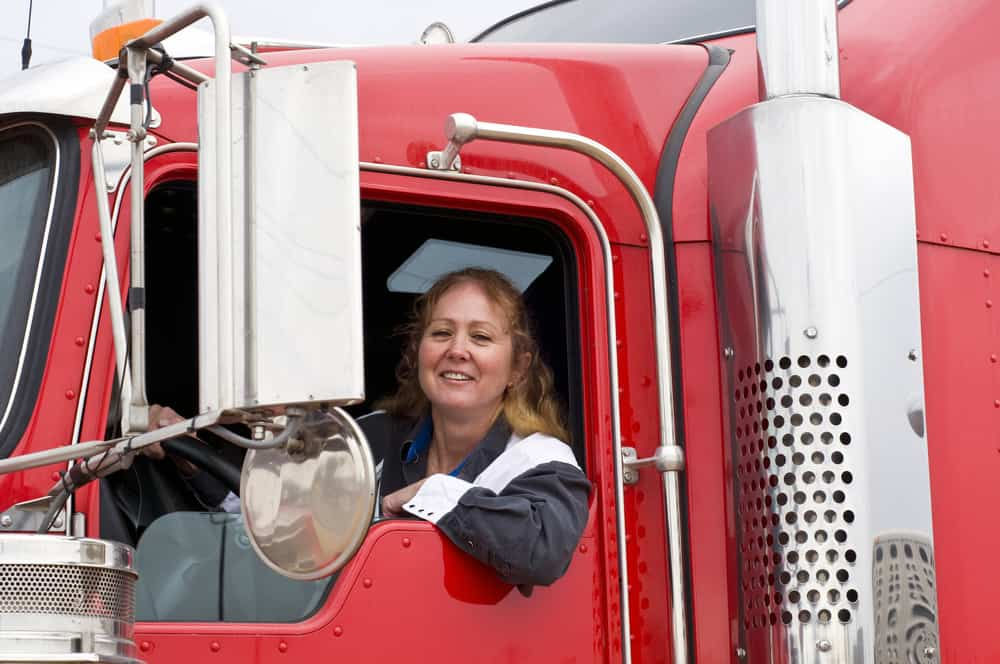 Parking apps boost safety, productivity for female truckers (Photo: Shutterstock)