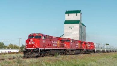 Photo of Canadian Pacific breaks grain volume records again