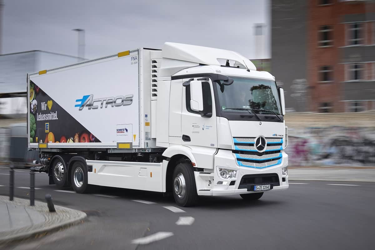 """Pictured: an example of Daimler / Mercedes-Benz electric truck """"Actros"""""""