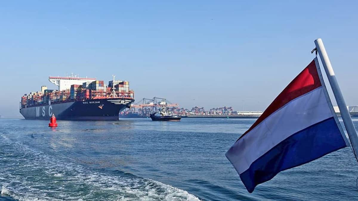 container ship in Rotterdeam