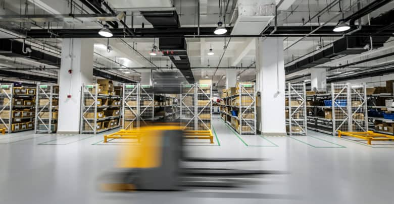 Leveraging robots-as-a-service in a competitive warehousing environment (Photo: Shutterstock)