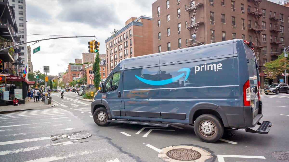The promise of on-the-go last-mile delivery models (Photo: Shutterstock)