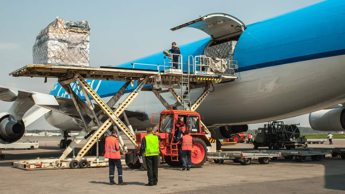 Today's Pickup: Air freight market continued to decline year-on-year during 2019 holiday season (Photo: Shutterstock)