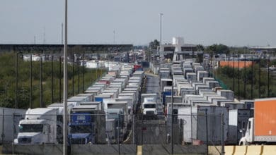 Photo of Truckers' holiday season wait times top 7 hours in San Antonio