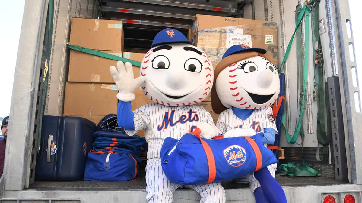 New York Met mascots on truck