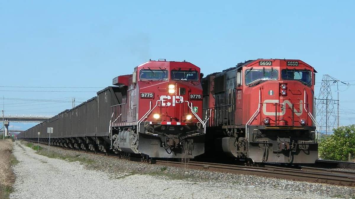CN and CP trains