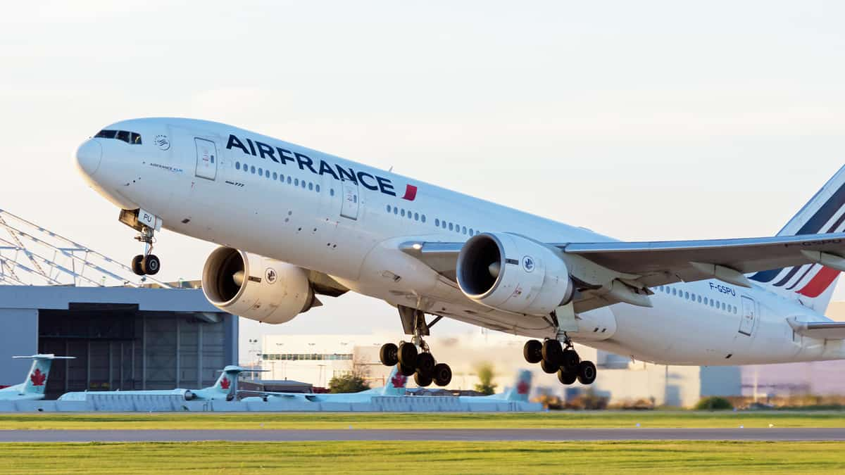 Air France plane takes off