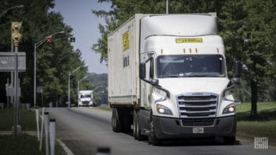 Photo of J.B. Hunt drivers and support personnel to get bonuses during outbreak