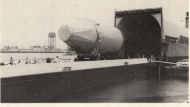 Photo of FreightWaves Flashback: Moon craft arrives on ocean barge