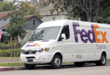 Photo of FedEx rides twin macro tailwinds to blowout quarter