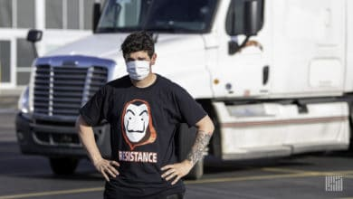 Photo of Independent truckers stage rally along Houston freeway to protest low pay