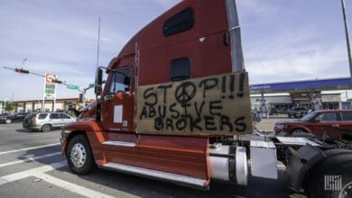 Photo of Owner-operators seek DOT enforcement of broker regulations