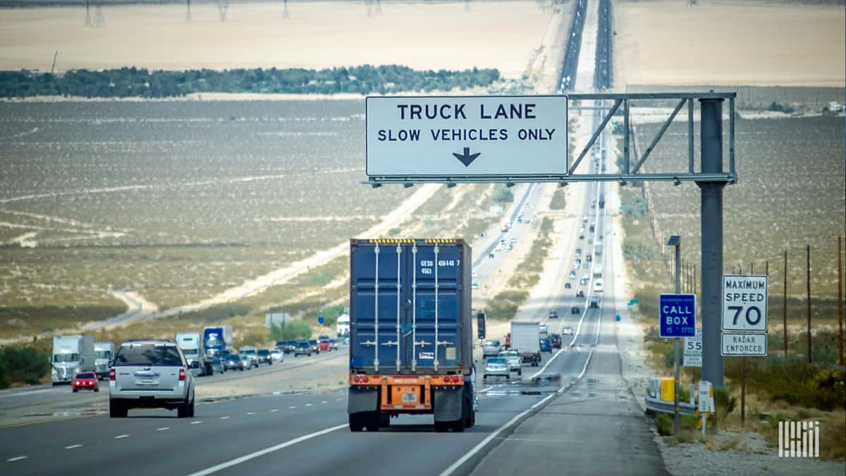 A truck moves down a busy highway. (Photo: Jim Allen/FreightWaves)
