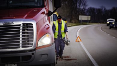 Photo of Lawmakers reintroduce trucking company hiring standards