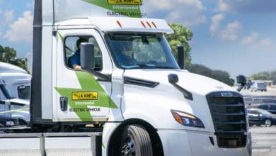 Photo of J.B. Hunt gets dibs on trying out Freightliner electric eCascadia