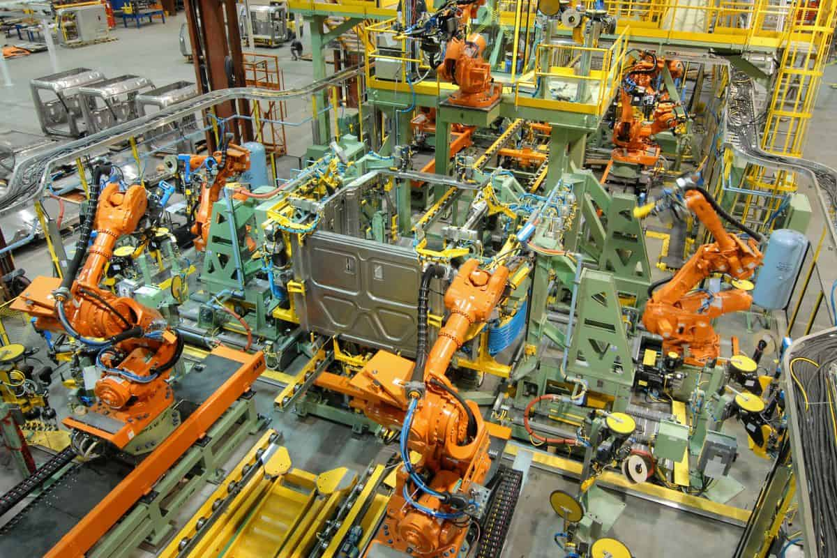 Robotic assembly at Daimler Trucks North America