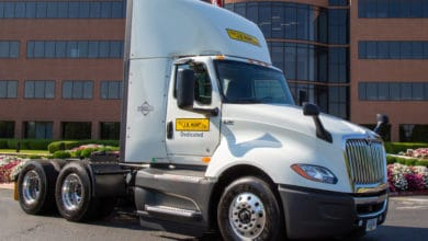 Photo of Navistar delivers 5,000th LT Series tractor to J.B. Hunt