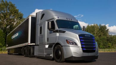 Photo of Schneider, Navistar and Volvo Trucks announce electric vehicle initiatives