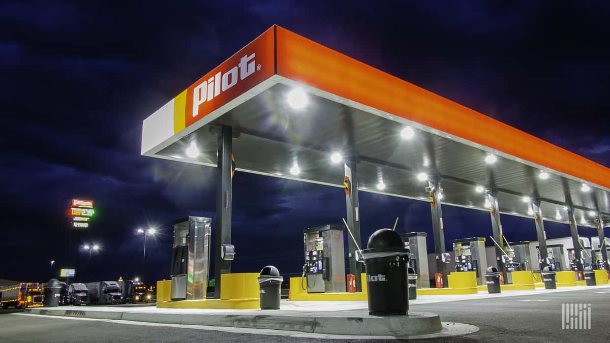 Court grants feds a 30-day extension to file its petition in the Pilot Flying J fuel rebate fraud scheme