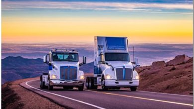 Photo of Rare air: Kenworth and Peterbilt electric trucks take on Pikes Peak