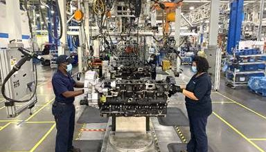 Photo of PACCAR marks decade of making engines in Mississippi
