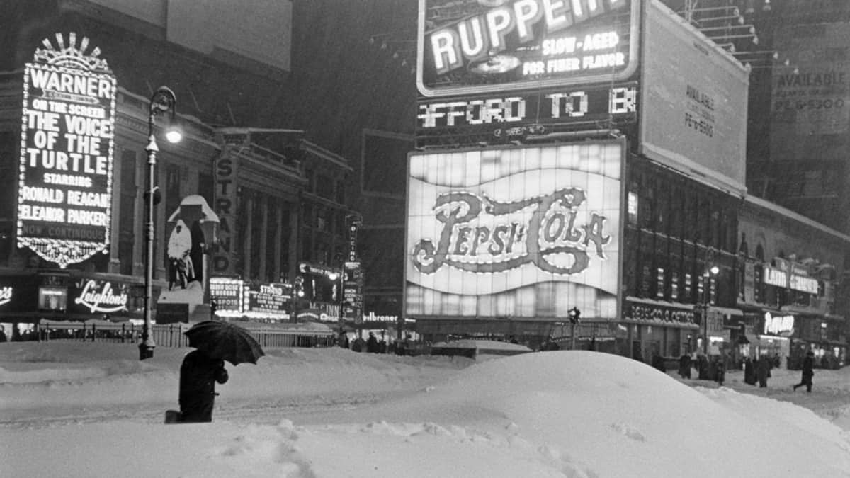 Deep snowfall in New York City, Christmas 1947.