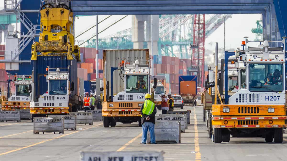 ports workers Los Angeles