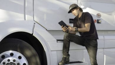 Here are some of the best apps for truckers to use.