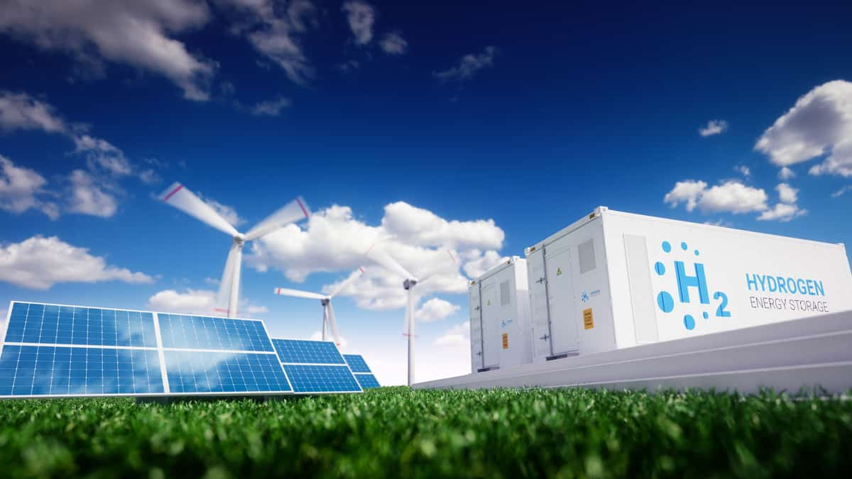 Green hydrogen is gaining ground despite facing obstacles.