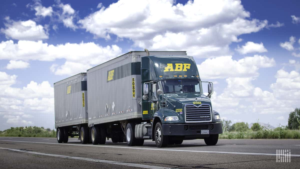 LTL tonnage up double-digits in Q4