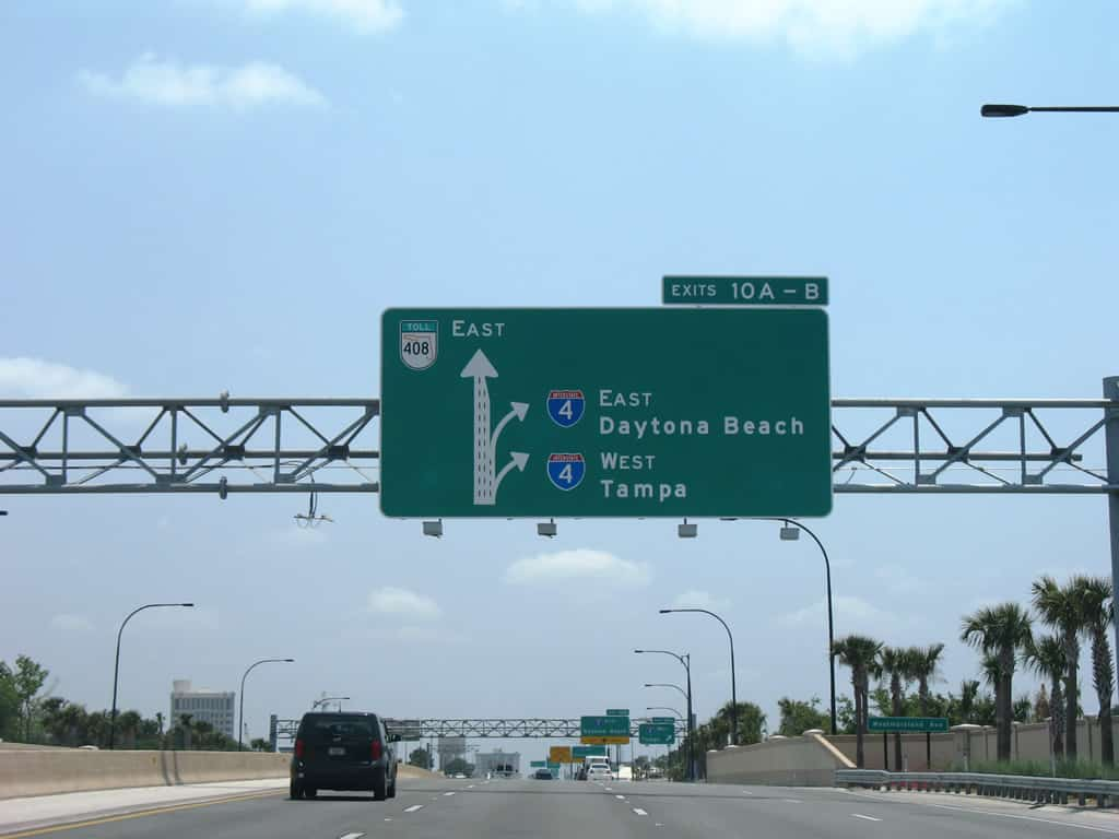Highway signs for I-4 West and I-4 East. (Photo: Interstate-Guide.com)