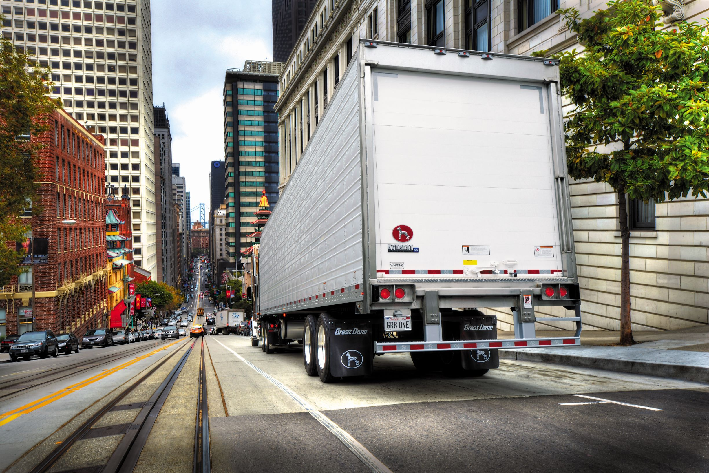 April trailer orders slide but blow away near-zero builds a year ago